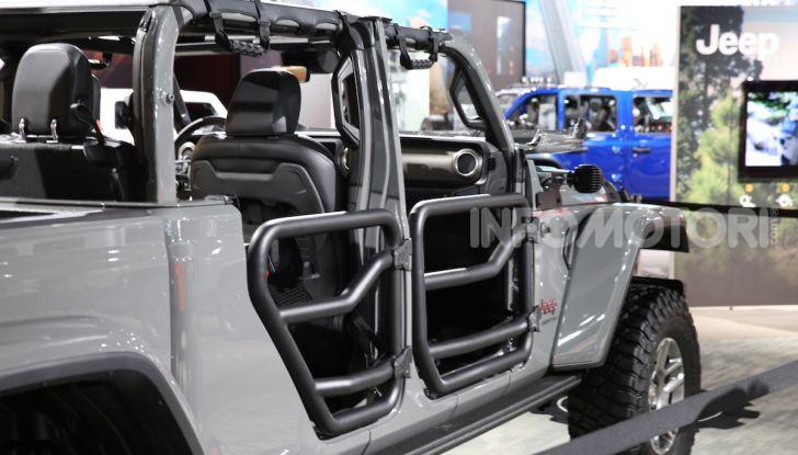 Jeep Gladiator, il primo pick-up di FCA presentato al Salone di Los Angeles - Foto 8 di 15