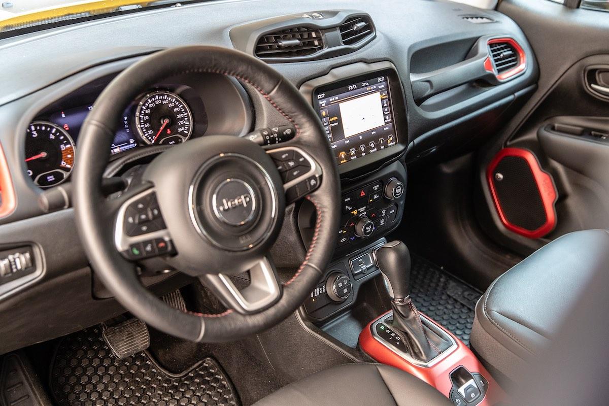 Jeep Renegade TrailHawk interior