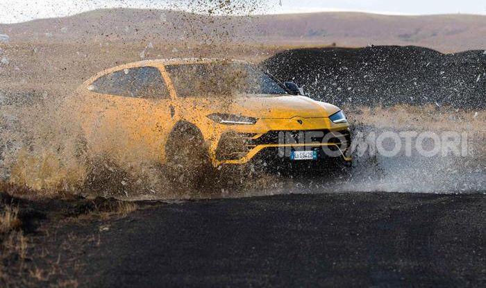 Lamborghini Urus provata su strada e fuoristrada in Islanda - Foto 7 di 10