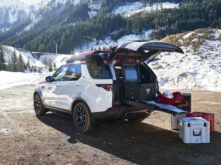 Land Rover e Croce Rossa per aiutare in caso di catastrofe naturale
