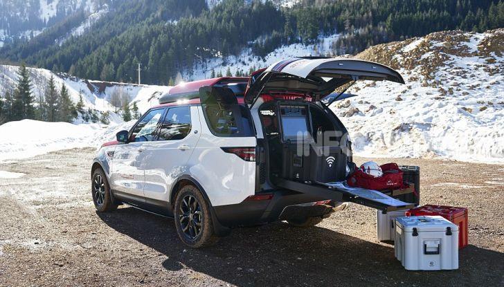 Land Rover e Croce Rossa per aiutare in caso di catastrofe naturale - Foto 1 di 7