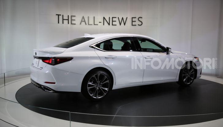 Lexus, le novità del Salone di Los Angeles 2018 in un'ampia gallery - Foto 20 di 30