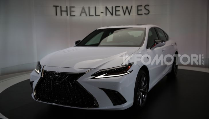 Lexus, le novità del Salone di Los Angeles 2018 in un'ampia gallery - Foto 27 di 30