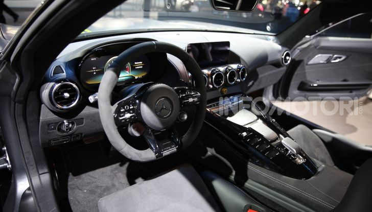 Mercedes-AMG GT R Pro: un'estrema supercar Made in Germany - Foto 11 di 12