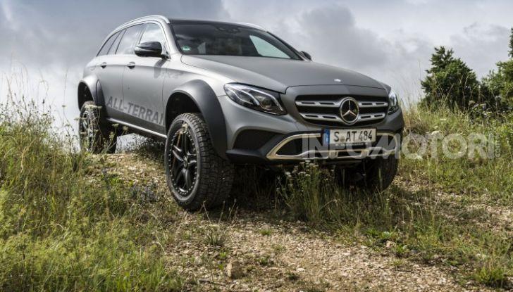 Mercedes-Benz Classe E 4MATIC All-Terrain 4×4², l'esemplare unico che esalta l'off-road - Foto 4 di 7
