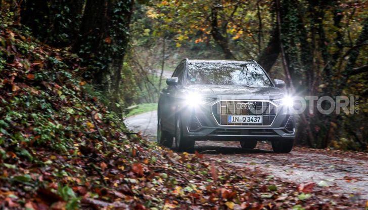 Nuova Audi Q3 prova su strada, prezzi e motori - Foto 11 di 12