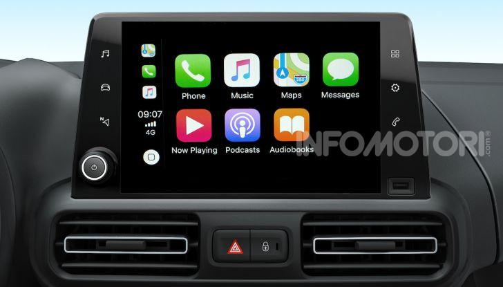 Opel con Apple CarPlay e Android Auto: disponibili Google Maps e Waze - Foto 4 di 10