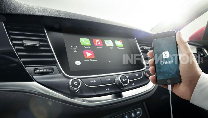 Opel con Apple CarPlay e Android Auto: disponibili Google Maps e Waze - Foto 3 di 10