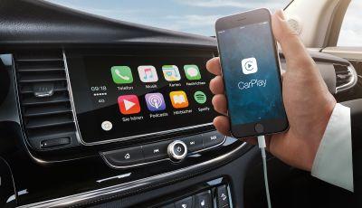 Opel con Apple CarPlay e Android Auto: disponibili Google Maps e Waze