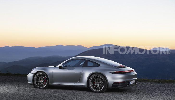 Nuova Porsche 911 992, innovazione e tradizione per la Super 8 - Foto 19 di 29