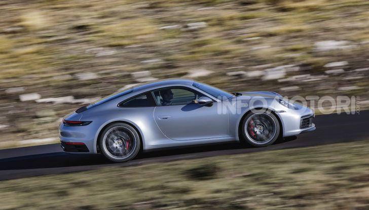 Nuova Porsche 911 992, innovazione e tradizione per la Super 8 - Foto 20 di 29