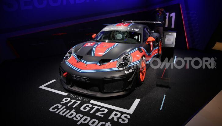 Porsche 911 GT2 RS Clubsport: la supercar da 710CV e 405.000€ - Foto 9 di 14