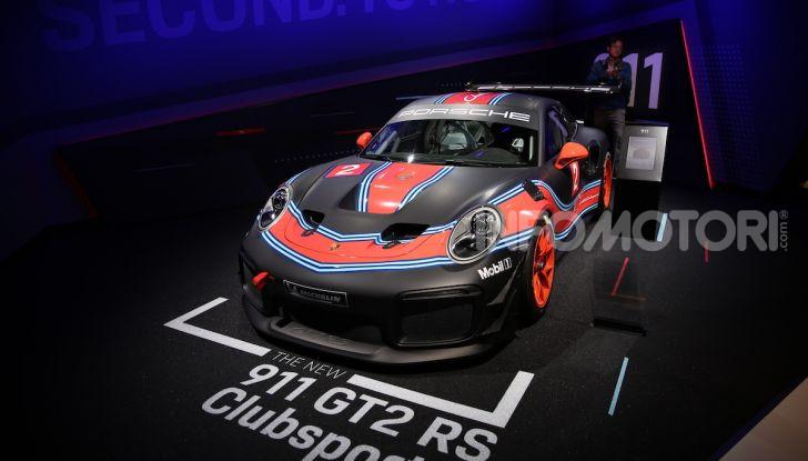 Porsche 911 GT2 RS Clubsport: la supercar da 710CV e 405.000€ - Foto 13 di 14