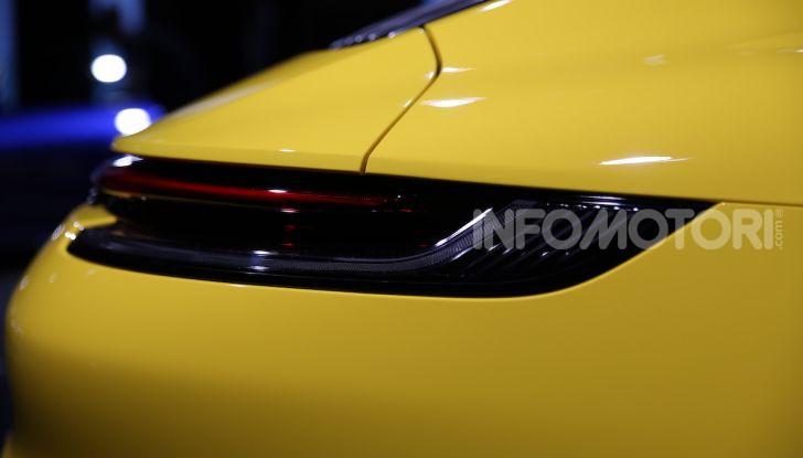 Nuova Porsche 911 992, innovazione e tradizione per la Super 8 - Foto 7 di 29