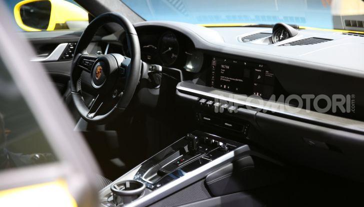 Nuova Porsche 911 992, innovazione e tradizione per la Super 8 - Foto 8 di 29