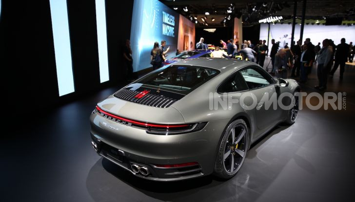 Nuova Porsche 911 992, innovazione e tradizione per la Super 8 - Foto 10 di 29