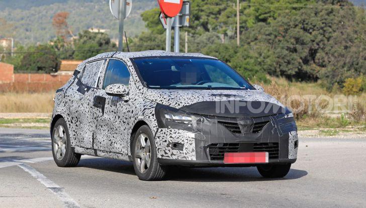 Renault Clio 2019 primo contatto su strada della nuova generazione - Foto 4 di 20