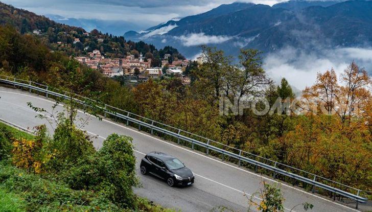 Renault Clio Moschino 2018: la francese più venduta in Italia si veste italiano - Foto 34 di 42