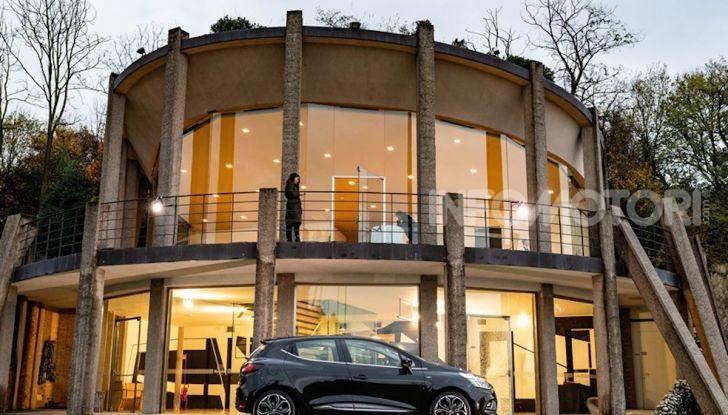 Renault Clio Moschino 2018: la francese più venduta in Italia si veste italiano - Foto 38 di 42