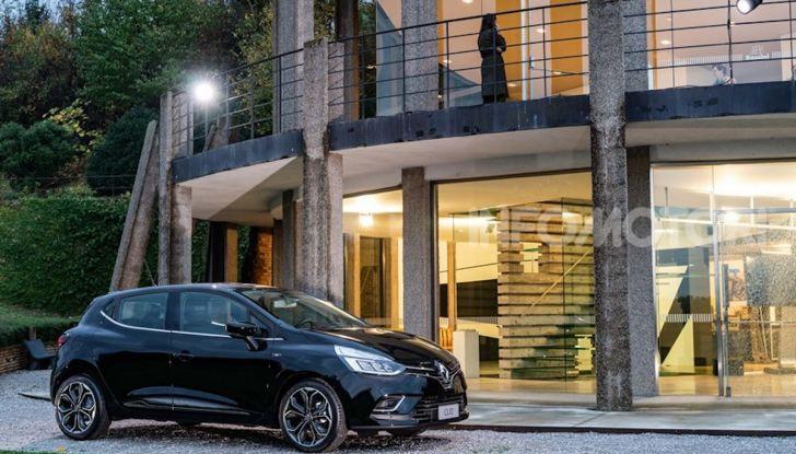 Renault Clio Moschino 2018: la francese più venduta in Italia si veste italiano - Foto 39 di 42