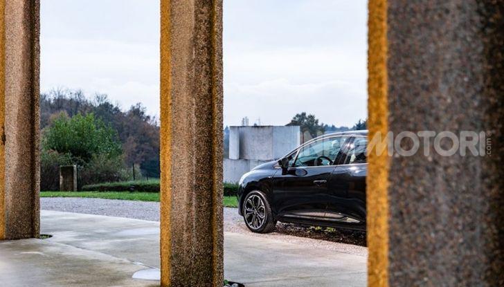 Renault Clio Moschino 2018: la francese più venduta in Italia si veste italiano - Foto 41 di 42