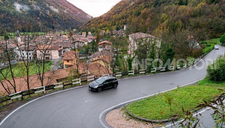 Renault Clio Moschino 2018: la francese più venduta in Italia si veste italiano - Foto 13 di 42
