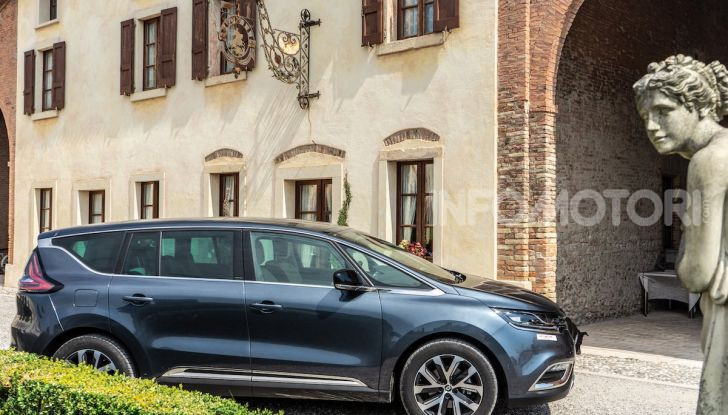 Nuova Renault Espace, prova dell'1.8 TCe Energy da 225CV - Foto 6 di 30