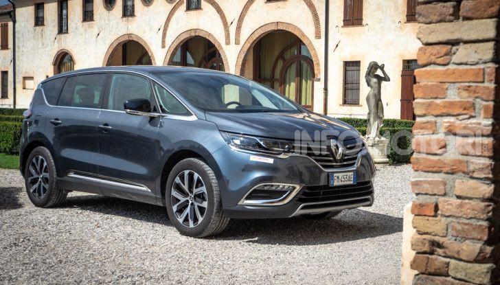 Nuova Renault Espace, prova dell'1.8 TCe Energy da 225CV - Foto 18 di 30