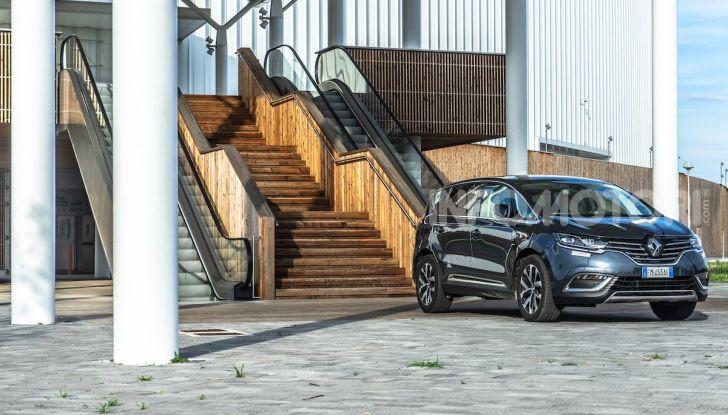 Nuova Renault Espace, prova dell'1.8 TCe Energy da 225CV - Foto 4 di 30