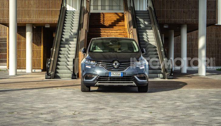 Nuova Renault Espace, prova dell'1.8 TCe Energy da 225CV - Foto 24 di 30
