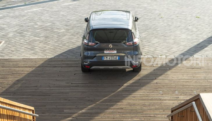 Nuova Renault Espace, prova dell'1.8 TCe Energy da 225CV - Foto 21 di 30
