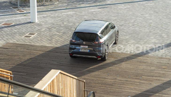 Nuova Renault Espace, prova dell'1.8 TCe Energy da 225CV - Foto 8 di 30