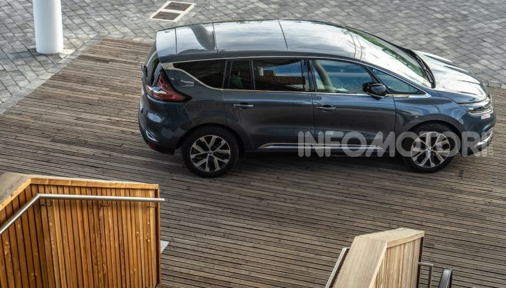 Nuova Renault Espace, prova dell'1.8 TCe Energy da 225CV - Foto 30 di 30
