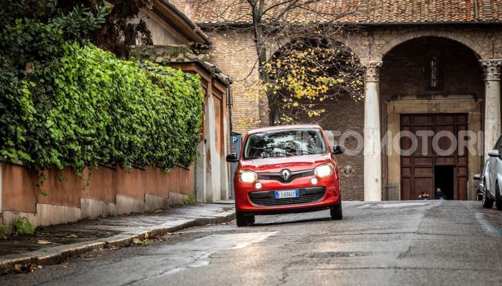 Renault Twingo GPL 2018: prova su strada della citycar ecologica - Foto 17 di 22