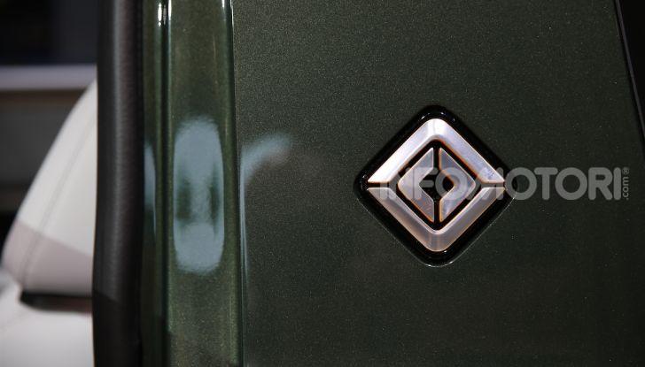 Rivian R1T, il pick-up elettrico da 764 CV - Foto 12 di 32