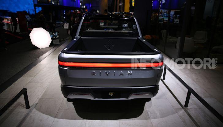 Rivian R1T, il pick-up elettrico da 764 CV - Foto 30 di 32