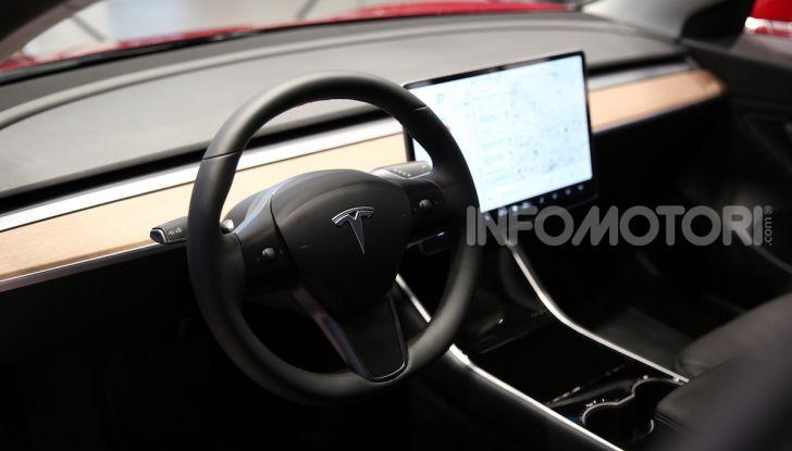 Tesla Model 3: comunicati i prezzi e gli allestimenti per l'Italia - Foto 7 di 22