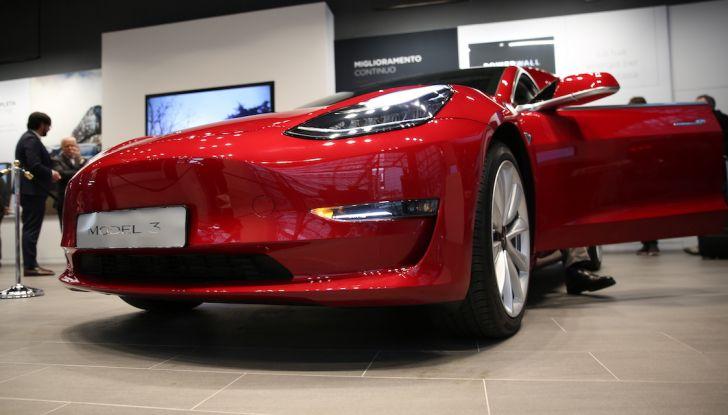 Tesla Model 3: comunicati i prezzi e gli allestimenti per l'Italia - Foto 2 di 22