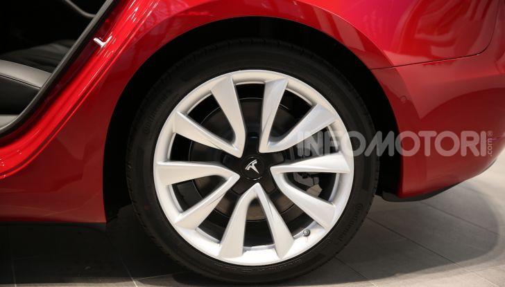 Tesla Model 3: comunicati i prezzi e gli allestimenti per l'Italia - Foto 15 di 22