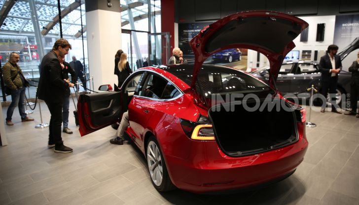 Tesla Model 3: comunicati i prezzi e gli allestimenti per l'Italia - Foto 4 di 22