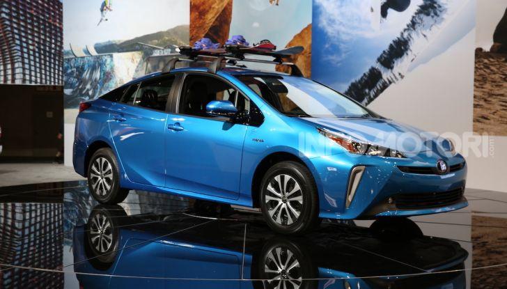 Nuova Toyota Prius AWD-i 2019, il nuovo ibrido anticipa il futuro - Foto 2 di 9