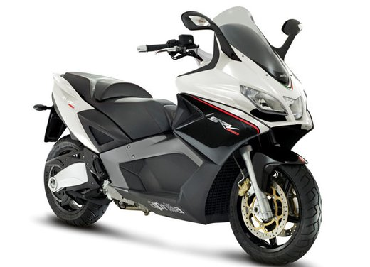 Aprilia SRV 850: disponibile ad un prezzo di 9.630 Euro da gennaio 2012 - Foto 8 di 15