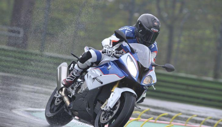 Pirelli SBK Track Days: a Imola con la BMW S1000RR - Foto 1 di 38