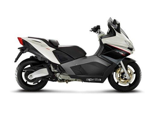 Aprilia SRV 850: disponibile ad un prezzo di 9.630 Euro da gennaio 2012 - Foto 12 di 15