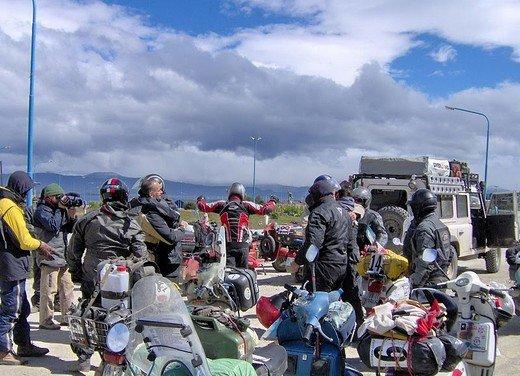 Hasta la fin del mundo… in Vespa, il viaggio di Lorenzo Franchini - Foto 25 di 65