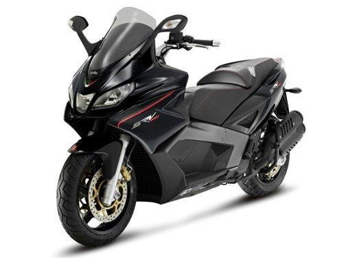Aprilia SRV 850: disponibile ad un prezzo di 9.630 Euro da gennaio 2012 - Foto 11 di 15