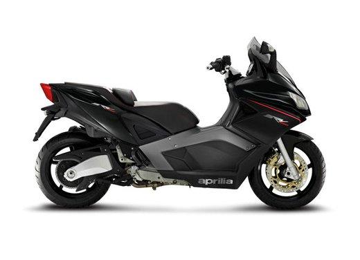 Aprilia SRV 850: disponibile ad un prezzo di 9.630 Euro da gennaio 2012 - Foto 13 di 15