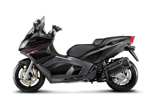 Aprilia SRV 850: disponibile ad un prezzo di 9.630 Euro da gennaio 2012 - Foto 15 di 15
