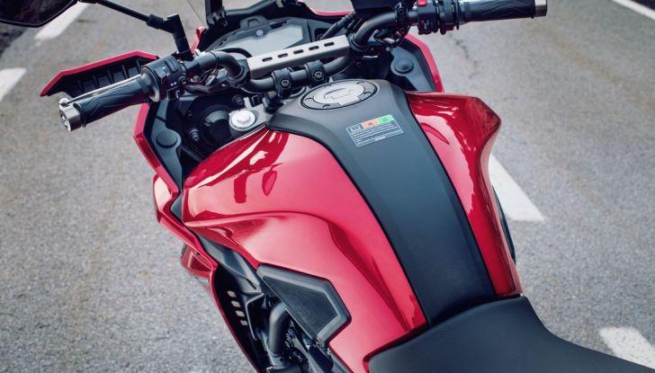 Nuova Yamaha Tracer 700 2016: Caratteristiche, dettagli e video - Foto 21 di 28