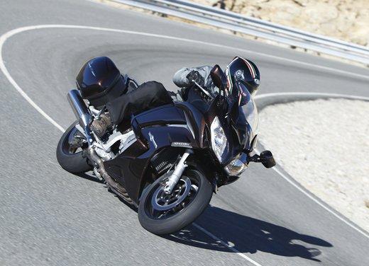 L'innovazione arriva dal turismo: Yamaha FJR 1300A - Foto 10 di 30